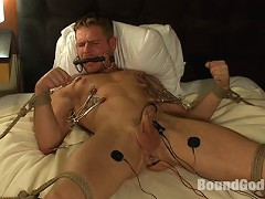 Spencer Reed ties Trent Diesel up and fucks him in a hotel room.